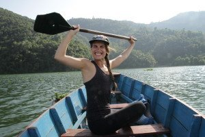 Lyydia Mäkinen, en el lago de Pokhara. (L.M.)