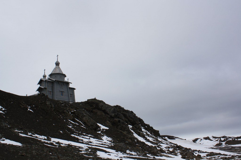 Isla Ortodoxa Rusa en Isla Rey Jorge, Antártida. / Foto: © Daniela Ruiz - Ruta-B
