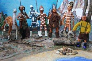 Las marionetas Selk'nam de la obra de Lambe Queltehue